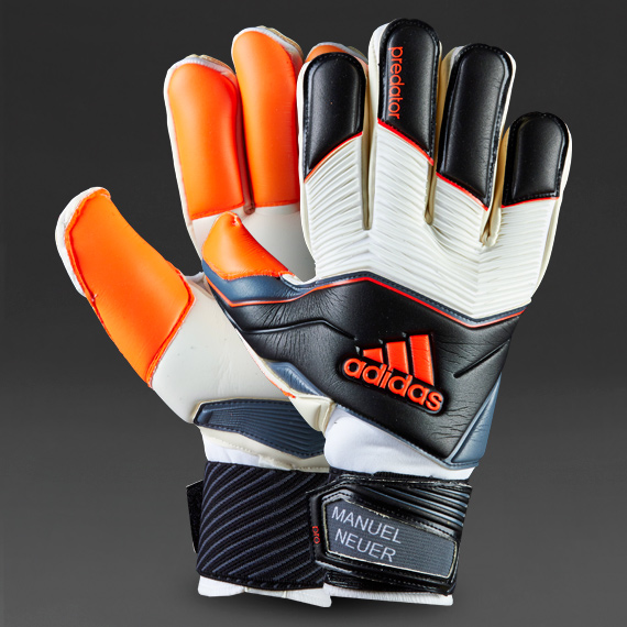 As a trained goalkeeper I enjoy coaching goalkeepers of all ages cfb4e373aa17